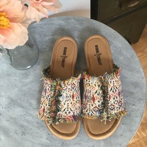 NWT Minnetonka Colorful Slide On Sandals Size 6
